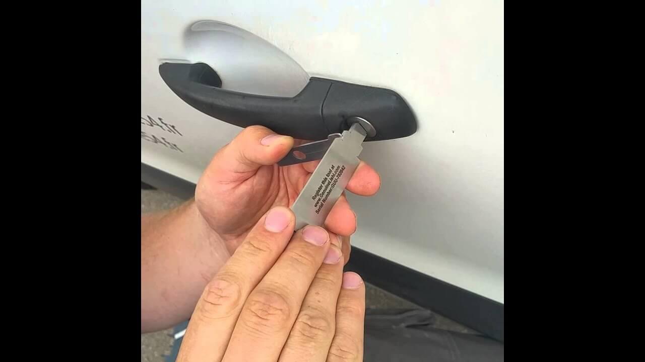 ouverture de voiture par crochetage serrure